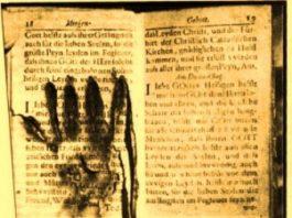 """""""Mâinile de foc din Purgatoriu"""" expuse într-un muzeu - dovadă că sufletul supravieţuieşte după moarte?"""