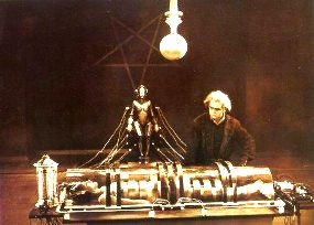 Femeia-robot din filmul