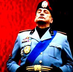 Mussolini18