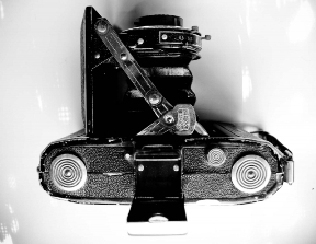 Aparat foto Zeiss, copiat de industria sovietica