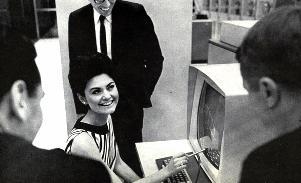 Domeniul calculatoarelor n-a fost niciodată doar al bărbaţilor... Femeile reintră cu putere în zona informaticii!