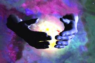 """Se poate împăca creştinismul cu ideea unui Univers infinit? Poate crea Dumnezeu o """"Lume nelimitată""""?"""