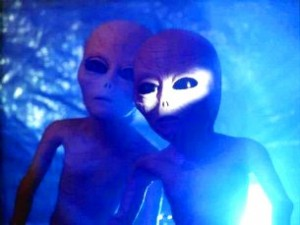 """Cazul de la Certeşti (Galaţi): cum un paznic s-a întâlnit cu un extraterestru """"avorton"""", ce avea doar două degete"""