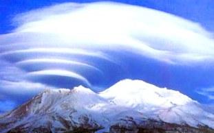 Muntele Shasta din California, locul frecventat de locuitori ai vechii Atlantide, ce locuiesc acum în lumea subpământeană din Agartha?