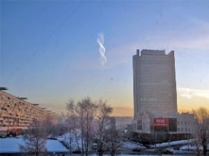 În ajun de Crăciun, pe cerul unui oraş din Rusia a fost observat un nor bizar sub forma unui ADN dublu spiralat