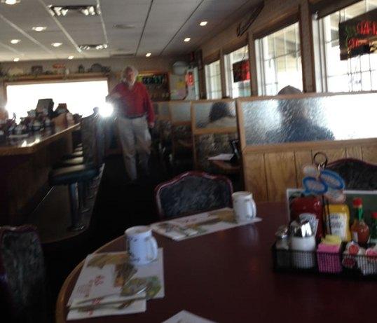 Adama in cafenea