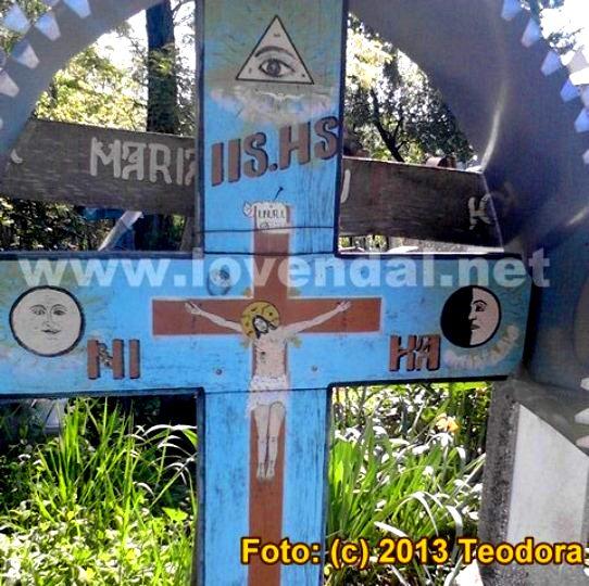 Illuminati in cimitir 3