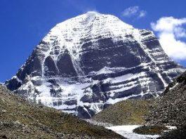 Kailas, un munte sacru pentru 4 religii ale lumii... Când va veni sfârşitul lumii, muntele şi întregul ţinut Olmo Lungring se vor ridica la cer!