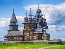 """Catedrala """"Schimbarea la Faţă"""" din insula Kiji (Rusia): o minune arhitectonică. Singura biserică din lume în formă de cort!"""
