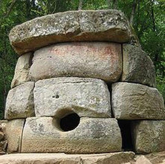 dolmene caucaz 1