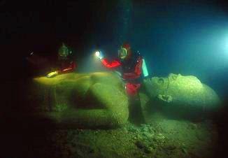 Descoperire şocantă! Oraşul scufundat Heracleion ar putea fi locul de baştină al giganţilor Nephilim din Biblie!