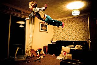copil levitatie