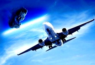 avion lovit de meteorit