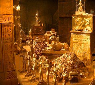 """""""Vânătorii de comori"""" din Egipt au găsit nişte artefacte uluitoare, în valoare de 2 miliarde de dolari! Unele statui sunt din aur pur şi cântăresc peste 100 de kilograme!"""