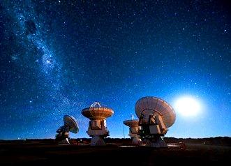 """Astrofizicienii din Australia au detectat """"explozii rapide de unde radio"""" necunoscute, care ar putea proveni de la o civilizaţie extraterestră avansată!"""