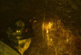 mineri fiinte stralucitoare