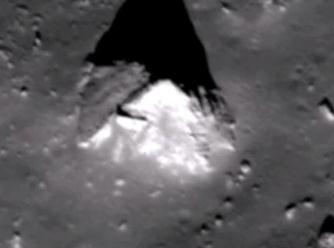 piramida pe Luna