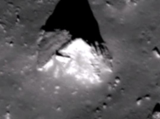 piramida pe Luna1