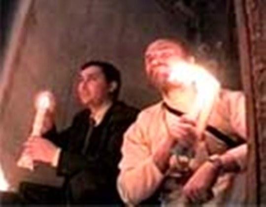 Focul Sfant nu arde barba unui pelerin! Cum explicati asta, criticilor!?