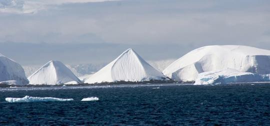piramide Antarctica 1