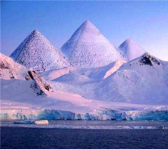 """Piramidele misterioase din Antarctica: dovezi ale existenţei unei civilizaţii avansate pe """"continentul gheţurilor""""! De ce să nu credem că Antarctica = vechea Atlantidă?"""