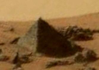 piramida pe Marte 1