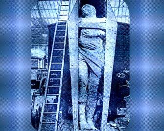 O descoperire şocantă în Irlanda: mumia unui uriaş de 4 metri, care făcea parte din rasa zeilor-giganţi Aras, ce-a trăit în trecut pe Atlantida! Şi această descoperire a fost ascunsă publicului!