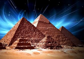 """Misiunea NASA Apollo 17 a fotografiat """"prin ceaţă"""" o piramidă pe Lună! Încă o dovadă că pe Lună au ajuns odată civilizaţii avansate terestre sau extraterestre!"""