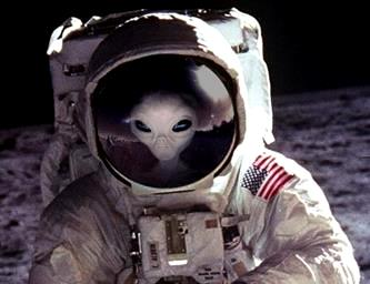 extraterestri pe Luna