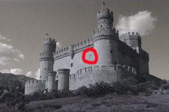 castelul alb-negru