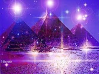 marea piramida cristal