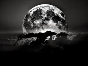 """Vine """"Luna Neagră"""" în noaptea aceasta! 3 mari cutremure din România s-au produs foarte aproape de Luna nouă sau Luna plină!"""