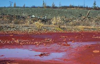 Un râu din Siberia s-a transformat brusc şi misterios în roşu! Vântul solar împrăştie oxidul de fier pe Pământ de pe Nibiru, planetă aflată din ce în ce mai aproape de noi?