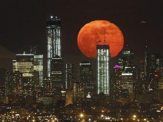 """Pe 14 noiembrie 2016 are loc o nouă """"Super Lună"""", cea mai strălucitoare şi mai mare din ultimii 70 de ani! Să ne aşteptăm la cutremure!?"""