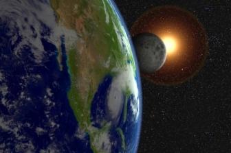 O ipoteză-şoc: dacă Luna a fost adusă în mod intenţionat în faţa Pământului, pentru a crea întuneric deplin pe o perioadă mai lungă?