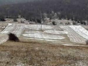 Mai multe cercuri misterioase de zăpadă au apărut în România, lângă malul Dunării! Cine le face şi cu ce scop?