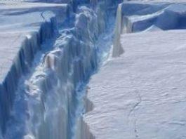 """O crăpătură enormă de 110 de km a apărut în Antarctica! Se împlineşte profeţia lui Edgar Cayce care spunea în urmă cu peste 70 de ani că """"Pământul se va crăpa""""?"""