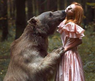 """O fotografă rusă a făcut câteva poze reale incredibile cu animale sălbatice şi """"prinţese"""", fără niciun Photoshop!"""