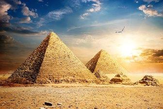 Secretul piramidelor egiptene şi energia cosmică a verdelui negativ... totul are legătură cu reîncarnarea sufletului!