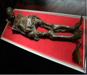 Misterul mumiei egiptene din Zagreb, învelită cu o pânză ce conţine un text necunoscut