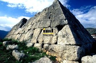 Misterioasele piramide din Grecia sunt mai vechi decât cele din Egipt! Totuşi, autorităţile nu permit examinarea mai detaliată a lor. Ce-au de ascuns!?