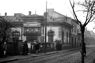 """În nuvela """"Pe Strada Mântuleasa"""", Mircea Eliade ne vorbeşte despre nişte portaluri cosmice situate în diverse case vechi din Bucureşti. Avea scriitorul nişte informaţii secrete?"""