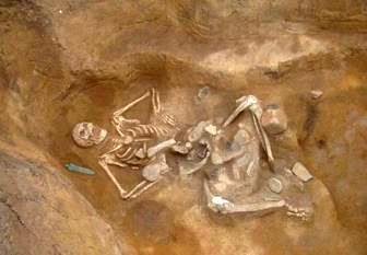 Descoperire şocantă a arheologilor în SUA: mai multe schelete de giganţi, de 2,70 de metri, care purtau armuri din cupru