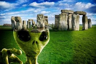 Incredibilul complex megalit de la Stonehenge a fost construit în jurul anului 8.000 î.Hr. de extratereştri veniţi pe Terra?