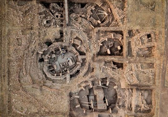 O privire de ansamblu a sitului megalitic Gobekli Tepe