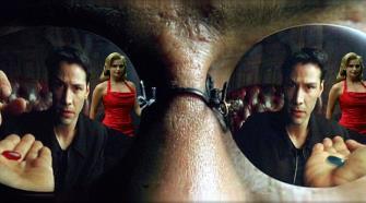 """Din secretele filmului """"Matrix"""": misterul femeii în rochie roşie a fost dezvăluit"""