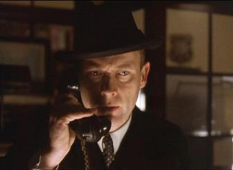 Un telefon misterios a fost primit de un reporter, cu 25 de minute înainte de asasinarea preşedintelui american Kennedy