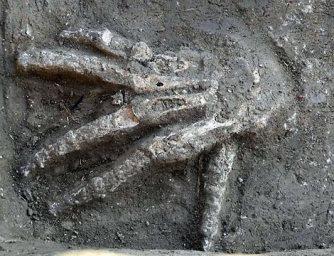 Descoperire şocantă a arheologilor egipteni: 4 gropi pline de mâini foarte mari, care au aparţinut unor giganţi