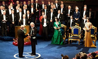 """Un adevăr şocant: """"O mare parte din câştigătorii premiului Nobel sunt complet idioţi!"""""""
