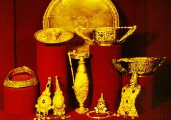Tezaurul de la Pietroasa a fost îngropat de regele got Athanaric acum aproape 1.700 de ani?